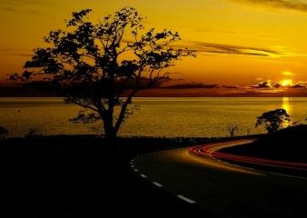 water_ocean_clouds_nature_sun_trees_sea_lights_cars_outdoors_roads_lakes_1680x1050_wallpaper_Wallpaper_800x600_www.wallmay.com