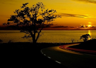 water_ocean_clouds_nature_sun_trees_sea_lights_cars_outdoors_roads_lakes_1680x1050_wallpaper_Wallpaper_800x600_www.wallmay.com
