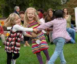 Children dancing, Geneva