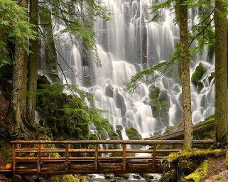 waterfall_40476254