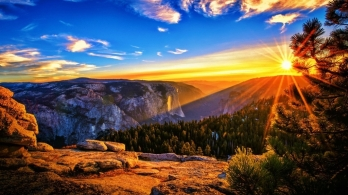 Beautiful Mountain Sunshine Wallpaper Picture